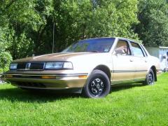 1990 Oldsmobile Cutlass Ciera Photo 1