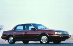 1993 Oldsmobile Cutlass Ciera exterior