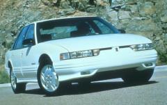1991 Oldsmobile Cutlass Supreme exterior