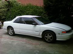 1993 Oldsmobile Cutlass Supreme Photo 2