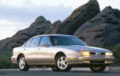1997 Oldsmobile LSS exterior