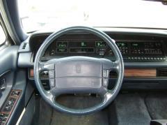 1993 Oldsmobile Ninety Eight Photo 2