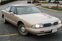 1998 Oldsmobile Regency Photo 1