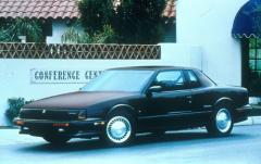 1991 Oldsmobile Toronado exterior