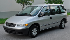 2000 Plymouth Voyager Photo 1