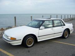 1990 Pontiac Bonneville Photo 1
