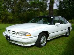 1993 Pontiac Bonneville Photo 1