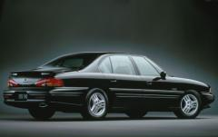 1997 Pontiac Bonneville exterior