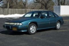 1994 Pontiac Grand Prix Photo 3