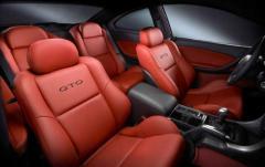 2004 Pontiac GTO interior