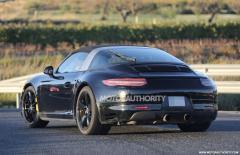 2016 Porsche 911 Photo 2