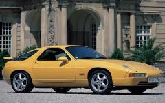 1993 Porsche 928 exterior