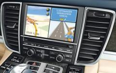 2011 Porsche Panamera interior