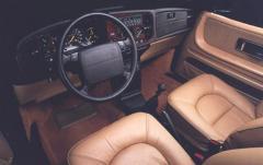 1991 Saab 900 interior