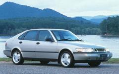 1995 Saab 900 exterior