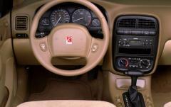 2000 Saturn LS interior