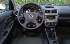 2005 Subaru Impreza interior