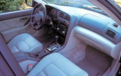 2000 Subaru Outback interior