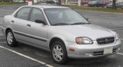 1999 Suzuki Esteem Photo 1