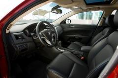 2013 Suzuki Kizashi interior