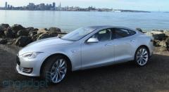 2014 Tesla Model S Photo 5