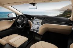 2015 Tesla Model S interior