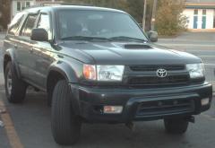 2000 Toyota 4Runner Photo 2