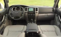 2005 Toyota 4Runner Photo 2