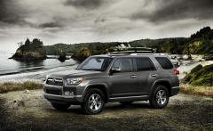 2013 Toyota 4Runner Photo 2