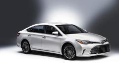 2016 Toyota Avalon Hybrid Photo 1
