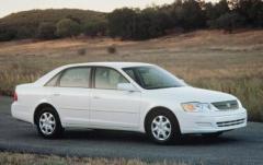 2001 Toyota Avalon exterior