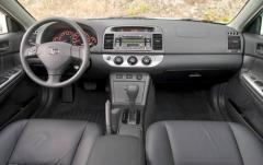 2005 Toyota Camry interior