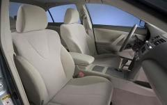 2011 Toyota Camry XLE 6-Spd AT interior