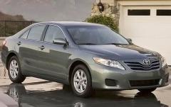 2011 Toyota Camry LE 6-Spd MT exterior