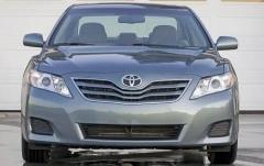 2011 Toyota Camry Base 6-Spd AT exterior