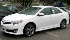 2012 Toyota Camry LE Photo 2