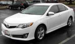 2012 Toyota Camry LE Photo 1