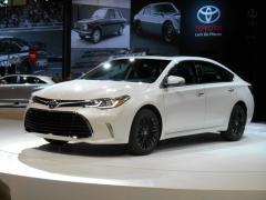 2016 Toyota Camry Photo 2