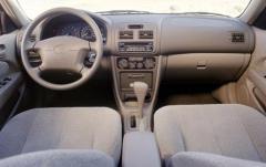 2001 Toyota Corolla interior