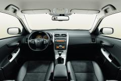 2010 Toyota Corolla S 4-Speed AT Photo 4