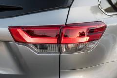 2018 Toyota Highlander exterior