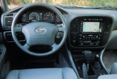 2001 Toyota Land Cruiser Photo 2