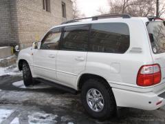 2001 Toyota Land Cruiser Photo 3