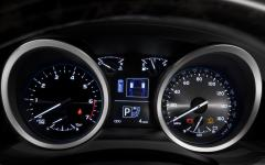 2013 Toyota Land Cruiser Photo 6