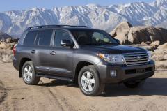 2013 Toyota Land Cruiser exterior