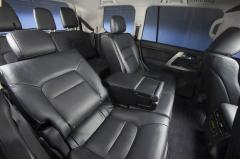 2013 Toyota Land Cruiser interior