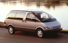 1997 Toyota Previa exterior