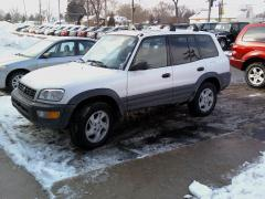 1999 Toyota RAV4 Photo 2