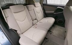 2006 Toyota RAV4 interior