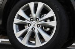 2015 Toyota RAV4 LE FWD exterior